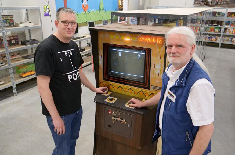 Dutch Museum exhibits Pong collection